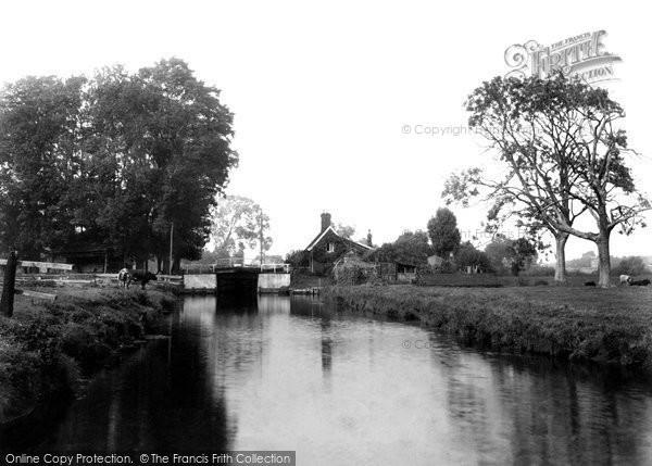 Photo of Coltishall, Lock 1902