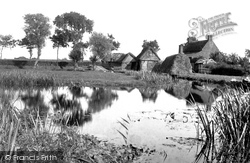 Coltishall, On The Banks Of The Bure 1902