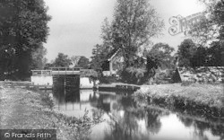 Coltishall, The Lock c.1925