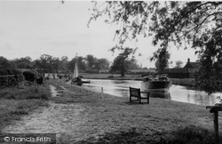 Coltishall, The River Bure From Anchor Hotel Grounds 1950