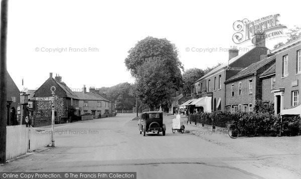 Photo of Coltishall, The Village c.1930