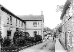 Colyton, Fore Street, With Girls School And Queen Square 1907