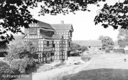 Congleton, Little Moreton Hall c.1960