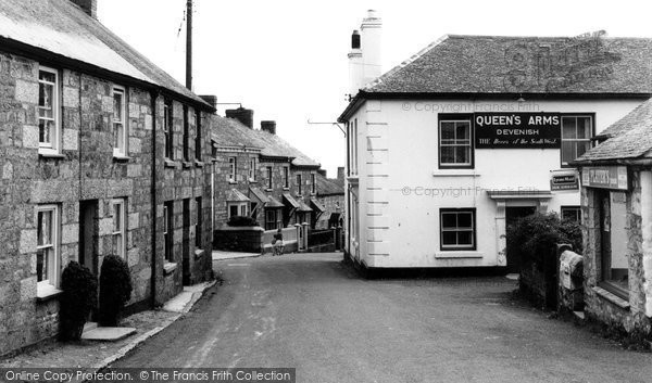 Constantine, The Queen's Arms and Fore Street c1955