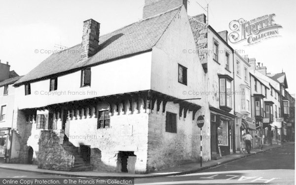 Photo of Conwy, Aberconway, The Oldest House c.1960