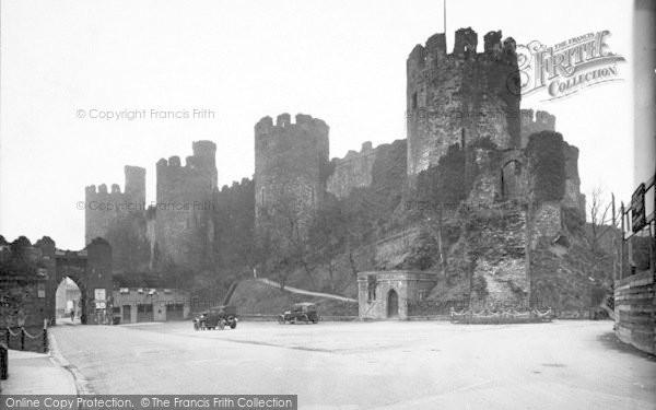 Photo of Conwy, Castle And Bridge Entrance c.1926