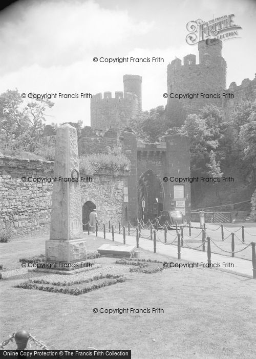 Photo of Conwy, Castle And Bridge Entrance c.1950