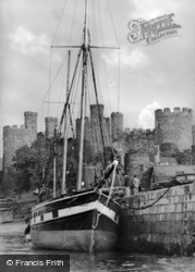 Conwy, Old Quay And Castle c.1950