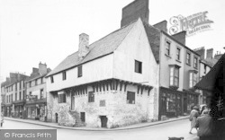 Conwy, The Oldest House c.1955