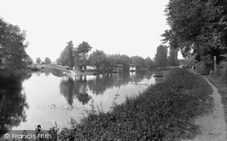 Cookham, Lock And Ferry 1890