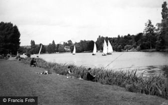 Cookham, River Scene c1950
