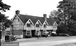 Copthorne, Duke's Head Hotel c.1955