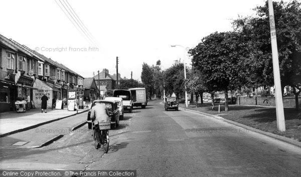 ... Historical, Nostalgic Pictures of Corringham in Essex « yourlocalweb: http://www.yourlocalweb.co.uk/essex/corringham/old-historical-nostalgic-pictures/