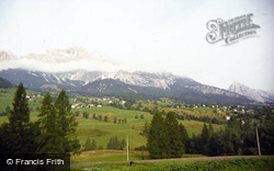 General View 1983, Cortina