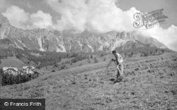 Haymaking 1938, Cortina