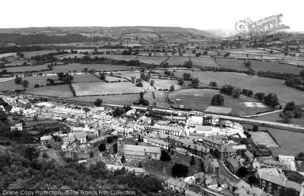 Corwen, from Flagstaff Hill c1960