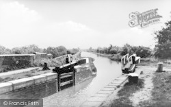 Cosgrove, Locks And Canal c.1930