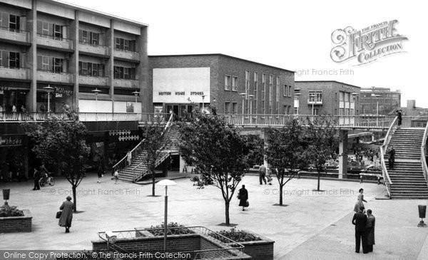 Coventry, the Precinct c1960
