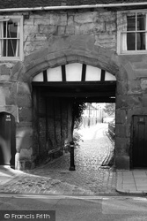 Whitefriars Archway, Much Park Street 2004, Coventry