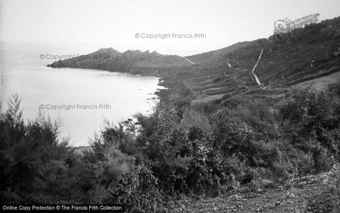 Coverack, the Headland Hotel and Chynalls point 1911
