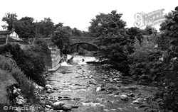 Cowan Bridge, The River Leck Beck And Bridge c.1955