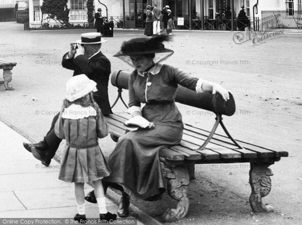 Photo of Cowes, Fashion 1913