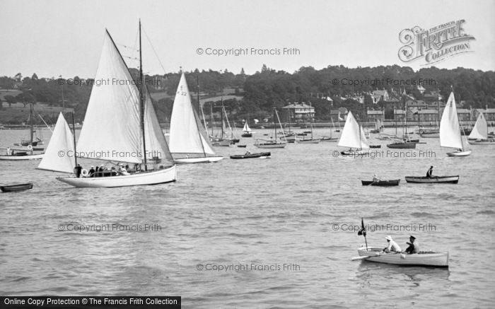 Photo of Cowes, Harbour 1923