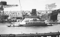 Cowes, The Floating Bridge c.1960