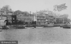 Cowes, The Front 1892