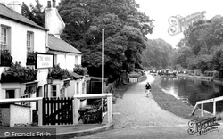 The Lock And The Shovel Pub c.1955, Cowley