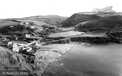 Crackington Haven, The Beach 1958