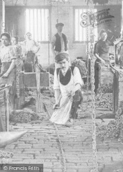 Chain Makers c.1912, Cradley Heath