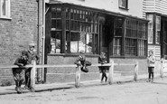 Cranbrook, Boys In Waterloo Road 1908