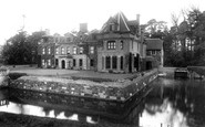 Cranbrook, Glassenbury, The Moated House 1903