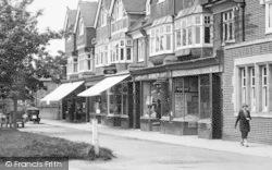 Cranleigh, Bank Buildings 1925