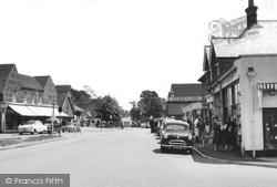 Cranleigh, High Street c.1960