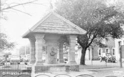 Cranleigh, The Hibberd Fountain c.1955