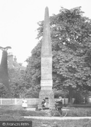 Cranleigh, The Obelisk 1904