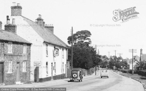 Photo of Cranswick, The Pack Horse Inn c.1960