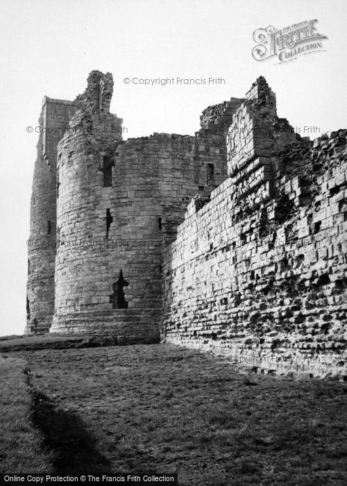 Photo of Craster, Dunstanburgh Castle 1950