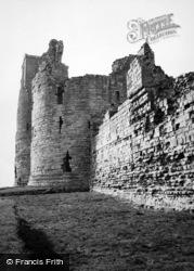 Craster, Dunstanburgh Castle 1950