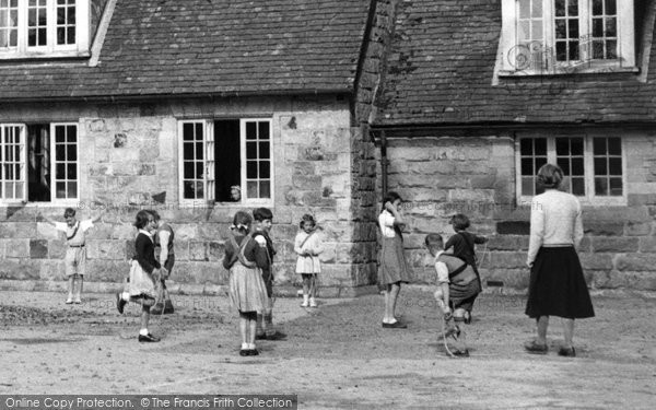 Crawley Down, Children At The School c.1955