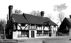 Read this memory of Crawley, Sussex.