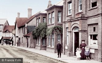 Crawley, Post Office Road 1907