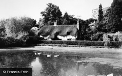Crawley, The Pond And Malt House c.1960