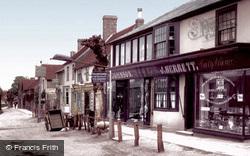 Crawley, The Village 1905