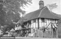 Crawley, Ye Olde Punch Bowle c.1950