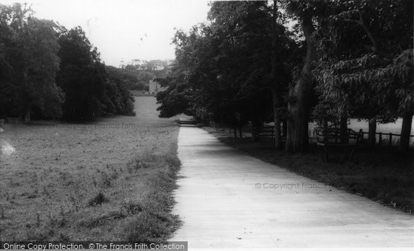 Cremyll, the drive to Edgecombe House c1965