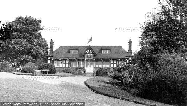 Photo of Crewe, The Pavilion, Queen's Park c.1950
