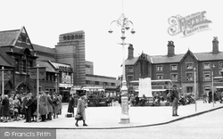 The Square 1951, Crewe